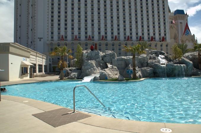Las Vegas Hotel Pool Pictures Excalibur