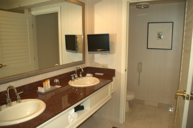 Mandalay Bay Hotel Rooms Pictures
